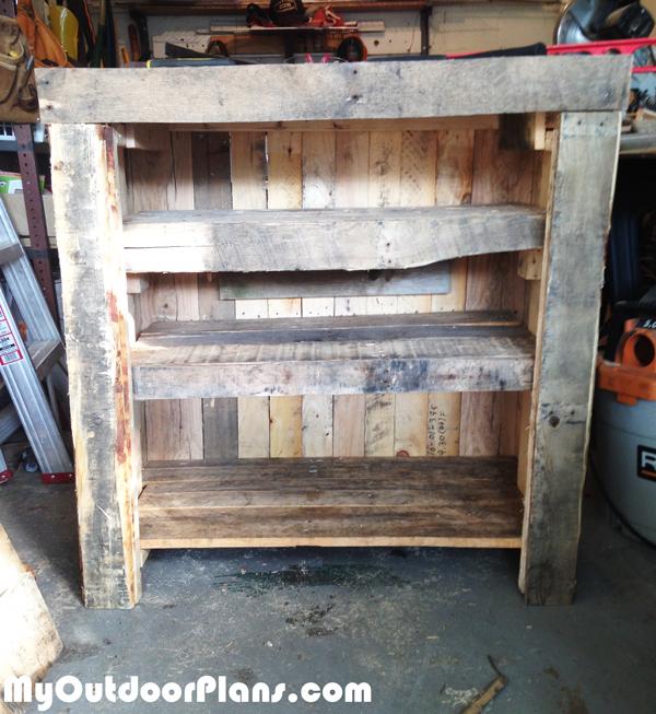 diy-pallet-dresser