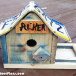 DIY License Plate Bird House