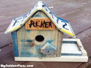 DIY License Plate Bird House