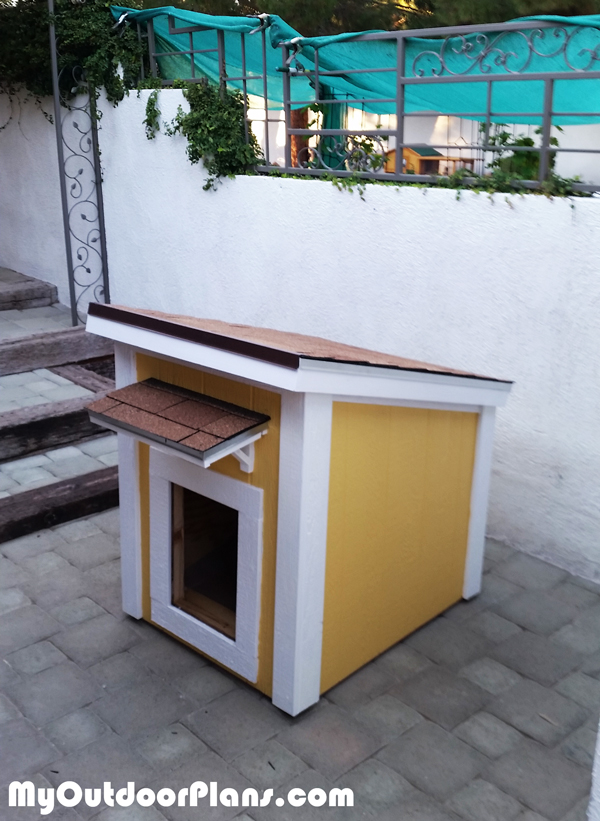 Diy insulated large dog house myoutdoorplans free for Insulated outdoor dog house