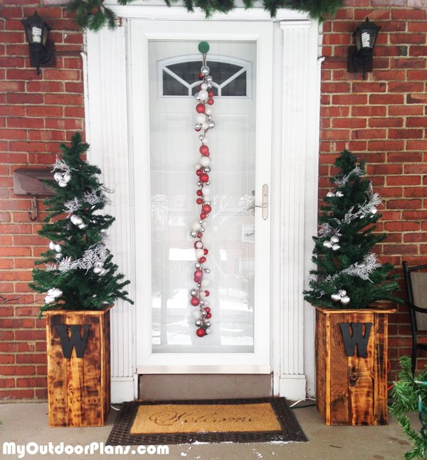 DIY-Christmas-Planters