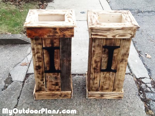 Building-pallet-planter-boxes