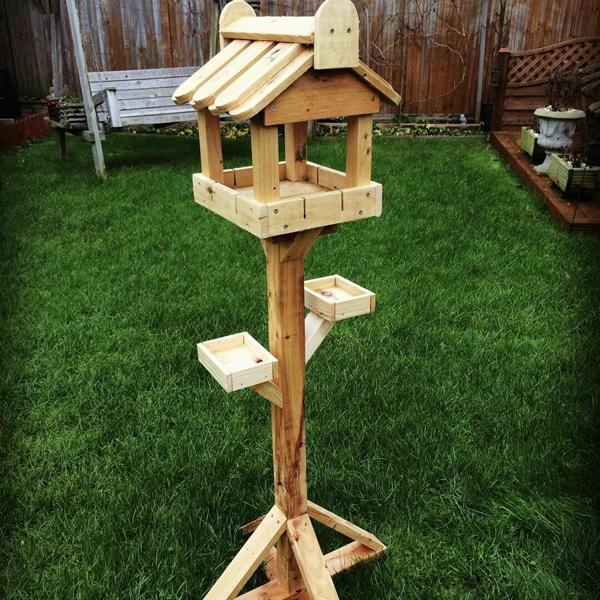 Platform-bird-feeder