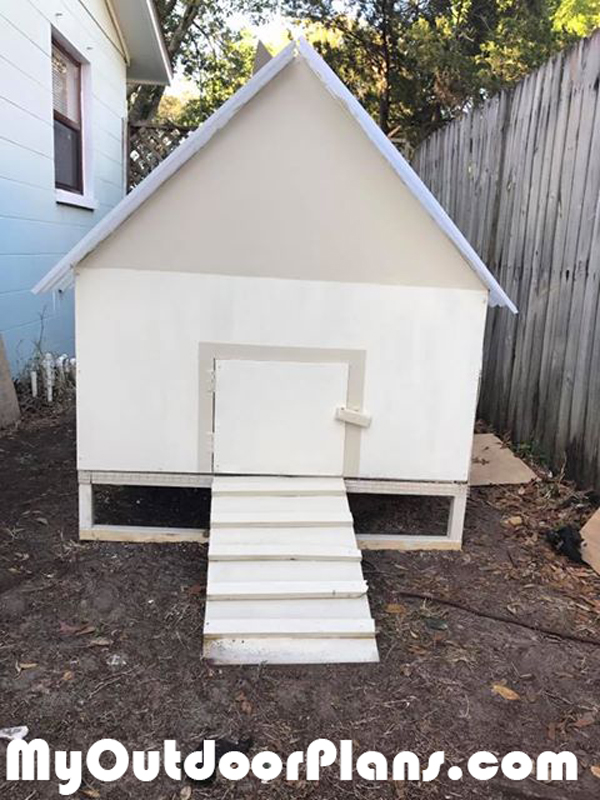DIY Simple Chicken Coop Plans