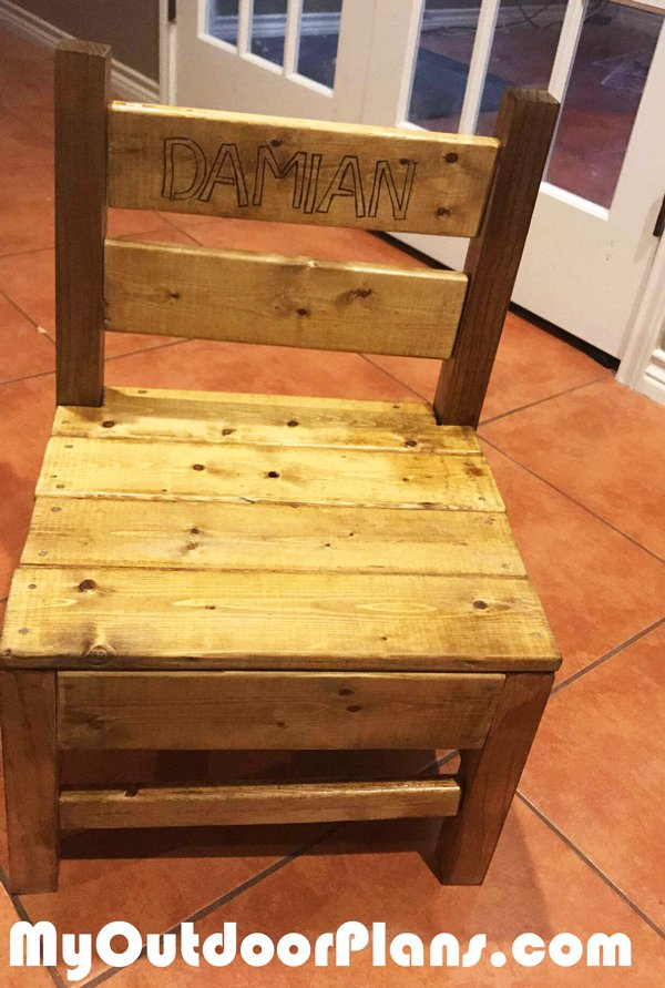 DIY Simple Kids Chair