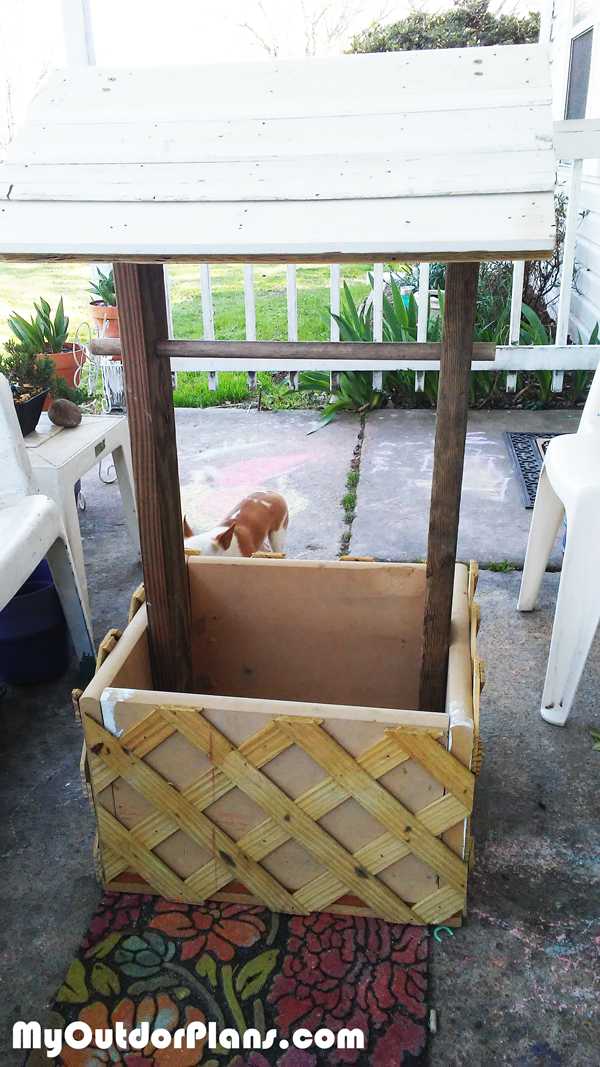 DIY Wood Wishing Well Planter