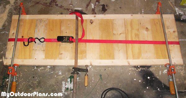 Assembling-the-shutters