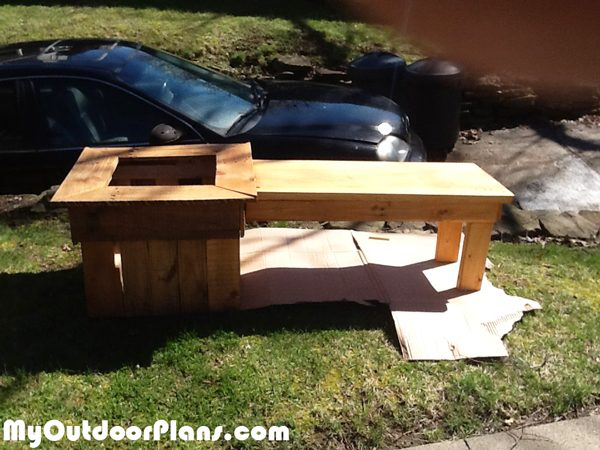 DIY-Small-bench-with-planter
