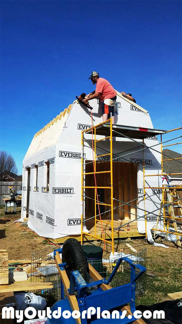 Fitting-the-insulation