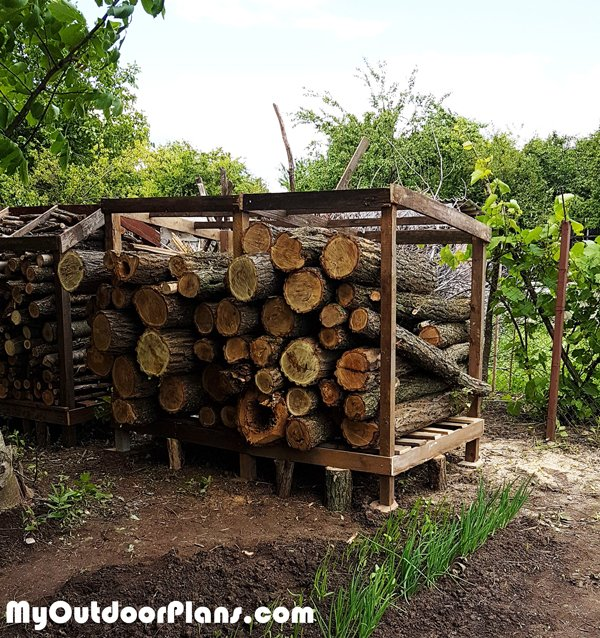 4x8-Log-Shelter