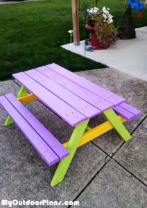 Building-a-kids-picnic-table