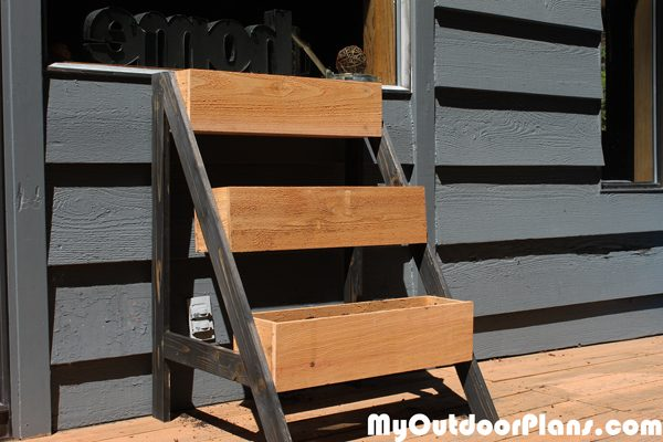 Diy 3 Tier Myoutdoorplans Free Woodworking Plans And