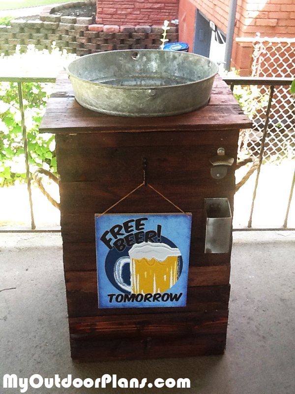 DIY-Galvanized-Ice-Bucket-Beer-Stand