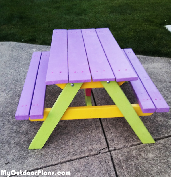 DIY Simple Kids Picnic Table