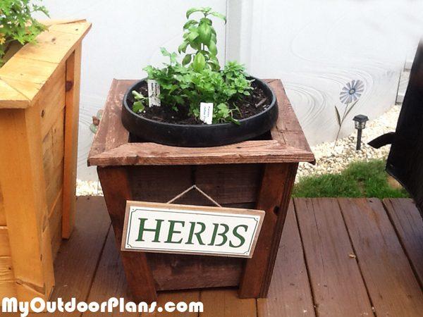 Wood-Herb-Planter