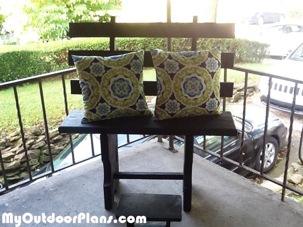 DIY Gossip Bench