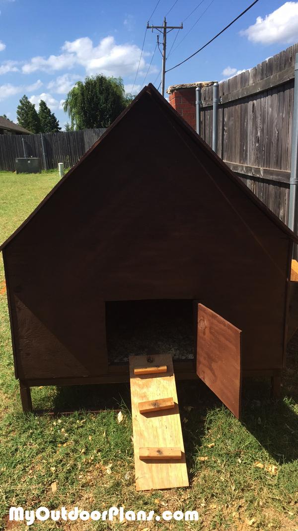 Building-a-simple-chicken-coop