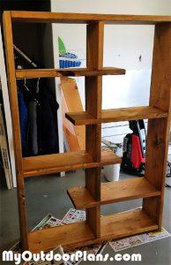 Contemporary-shelf