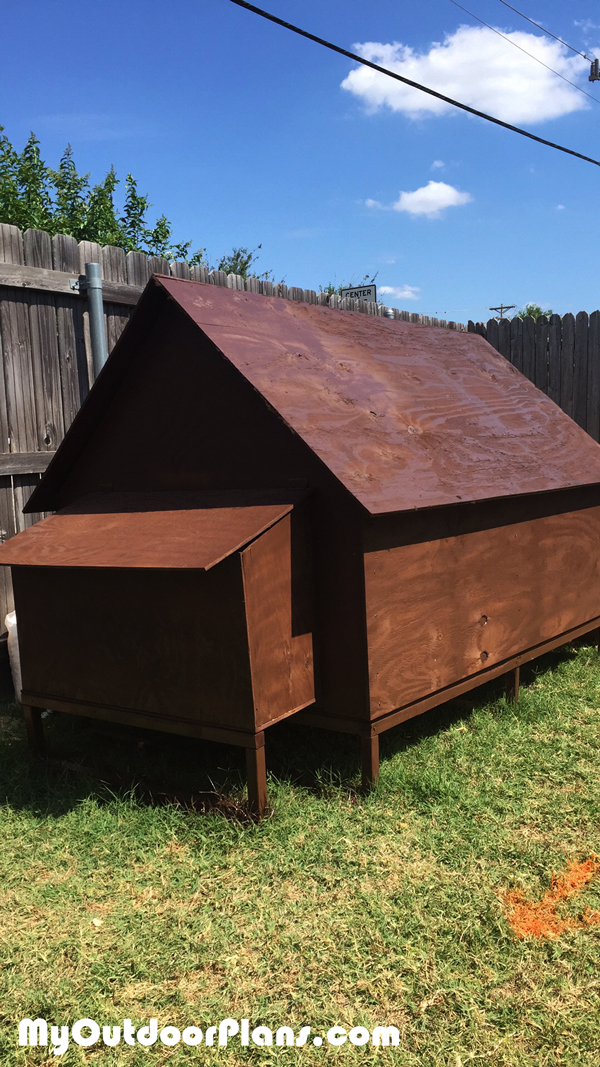 DIY Simple Backyard Chicken Coop