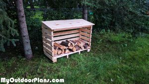 DIY-Small-Log-Shed
