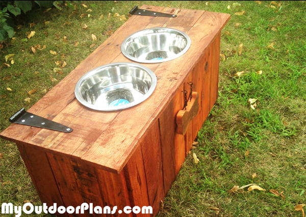 Diy Food And Water Dog Tray With Food Storage