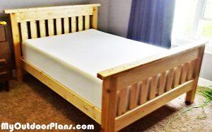 DIY-Farmhouse-Bed