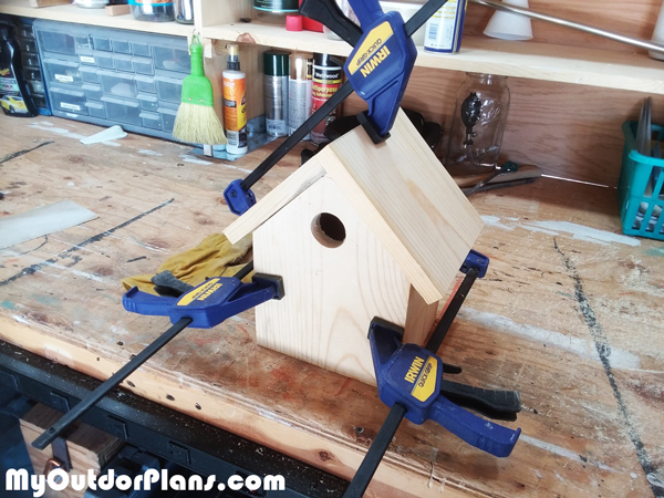 Assembling-the-bird-house