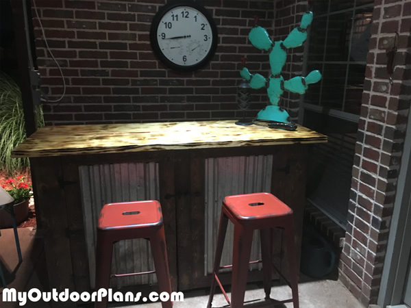 DIY Outdoor Bar with Inserts