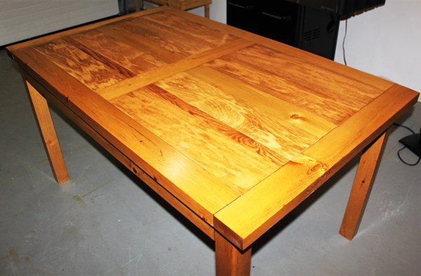 DIY-Wooden-Dining-Table