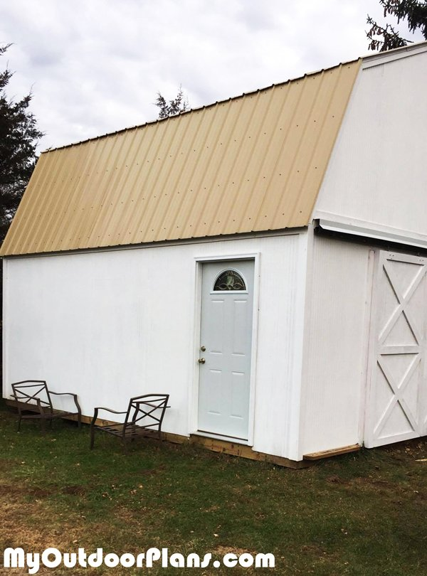 Building-a-large-gambrel-shed