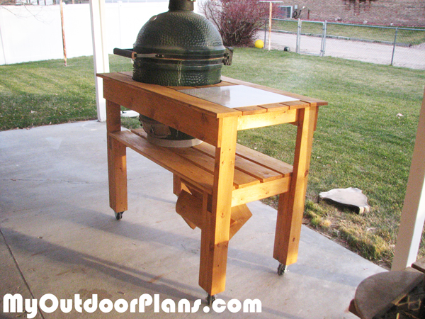 Building-a-wood-green-egg-table