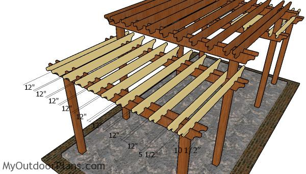 Fitting-the-shade-elements-to-the-small-pergola