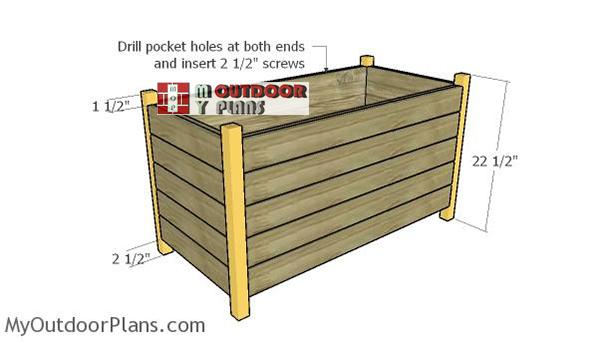 Assembling-the-planter-box
