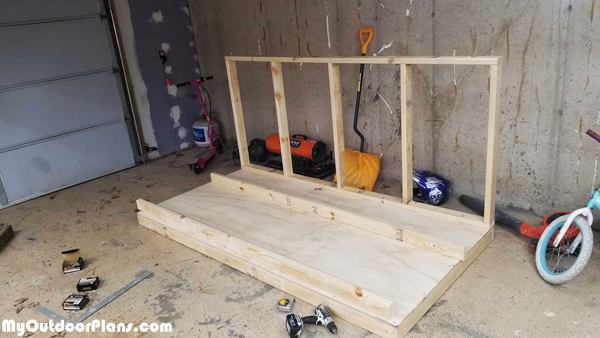 Building-the-frame-of-the-chicken-coop