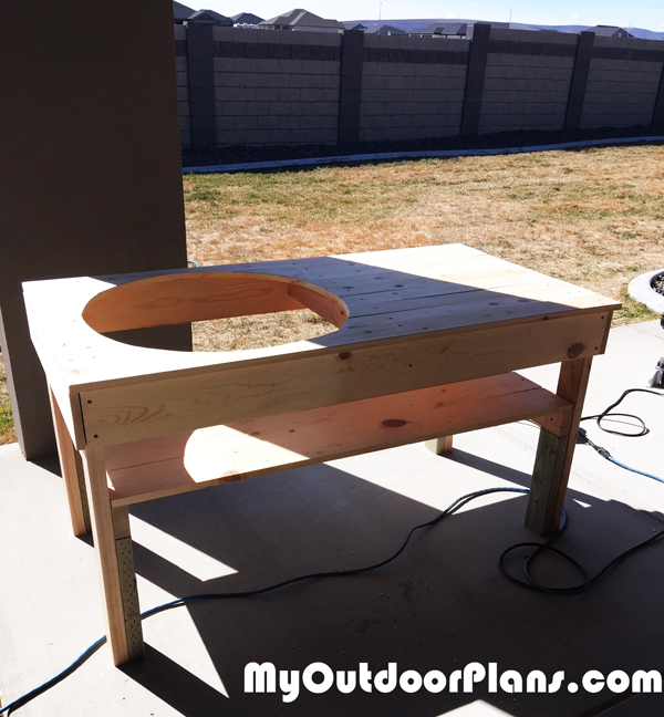 How-to-build-a-green-egg-table