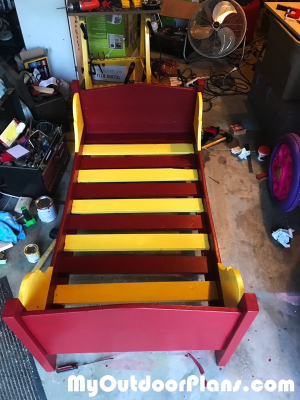 Building-a-toddler-bed