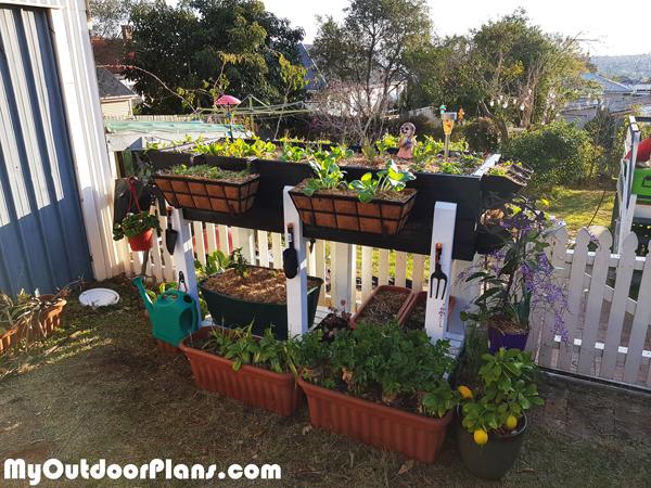DIY-Waist-High-Planter-Box