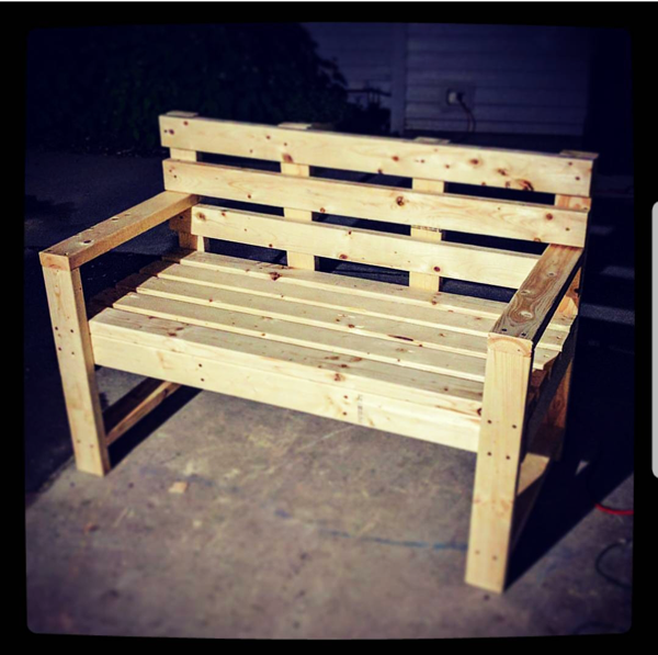 DIY 2x4 Outdoor Bench with Backrest