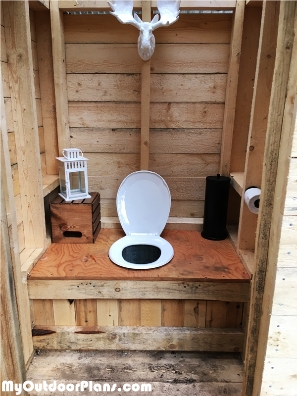 Diy Simple Outhouse Myoutdoorplans Free Woodworking