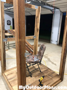Building-the-frame-of-the-deer-stand