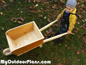 DIY-Wooden-Wheelbarrow