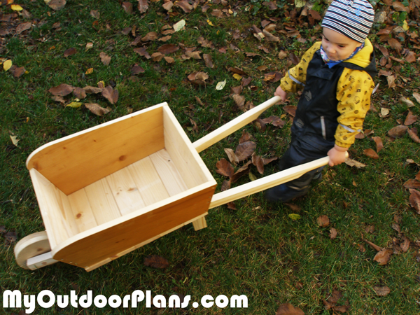DIY-Wooden-Wheelbarrow