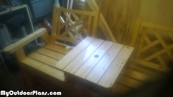DIY-Modern-Double-Chair-with-Table
