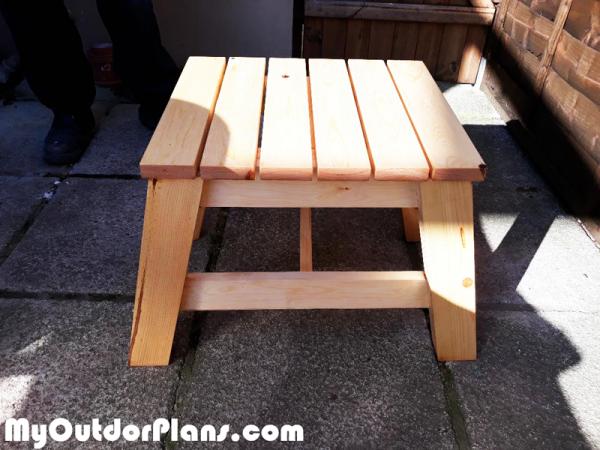 DIY-Modern-Side-Table