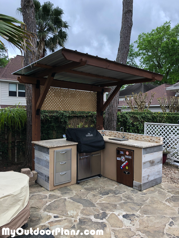 DIY 2 Post Pergola - Outdoor Kitchen