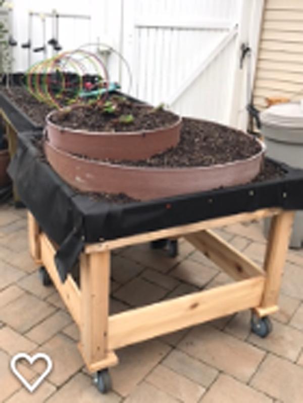 DIY-Strawberry-Planter