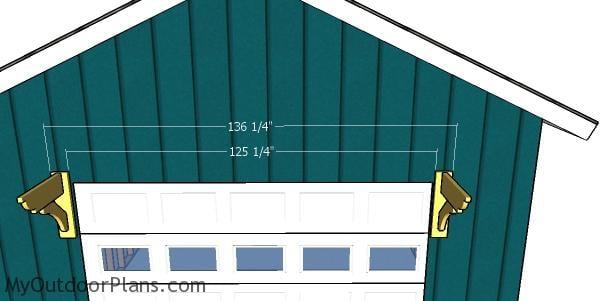 Fitting the garage pergola braces