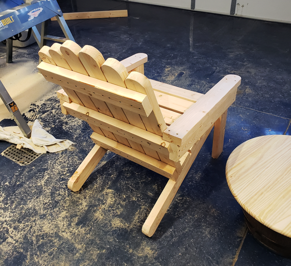 How-to-build-an-adirondack-chair