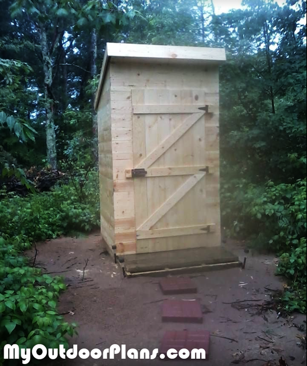 Wooden-Outhouse - DIY Project