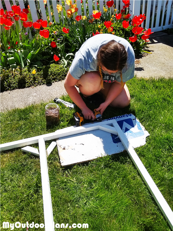 Assembling-the-catio-panels